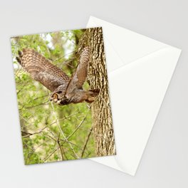 Great horned owl on the hunt Stationery Cards
