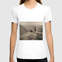 Looking across the Sahara Desert from the top of the Pyramid of Cheops, Egypt at sunset black and white photograph T-shirt