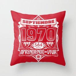 Septiembre 1970 Throw Pillow