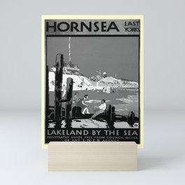 retro noir et blanc Hornsea Mini Art Print