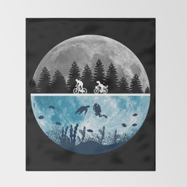 Close Encounters of the Moon Throw Blanket