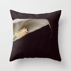 the leaf Throw Pillow