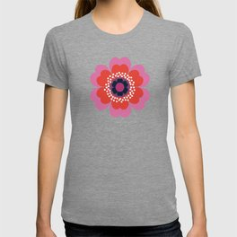Lightweight - 70s retro throwback floral flower art print minimalist trendy 1970s style T-shirt
