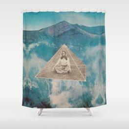 Flotar entre las nubes  Shower Curtain