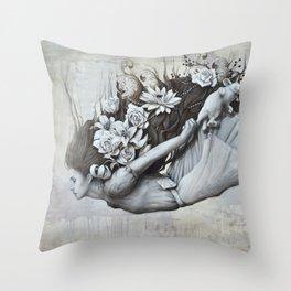 Le jardin d'Alice Throw Pillow
