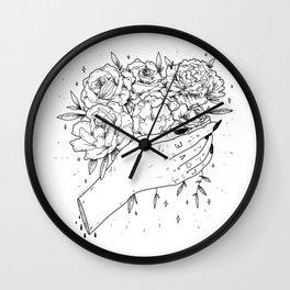 L <3 V E Wall Clock