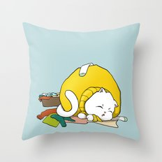 Cats love clean laundry Throw Pillow