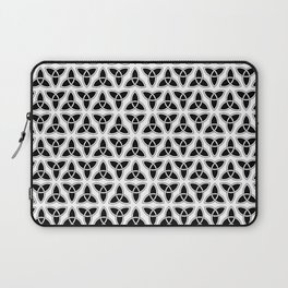 celtic trinity knot - triquetra pattern Laptop Sleeve