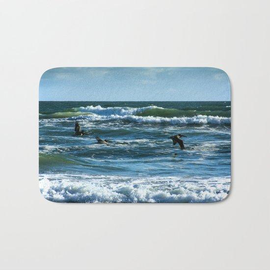 Pelicans Surf Top Flying Bath Mat