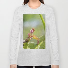 vine shoots Long Sleeve T-shirt