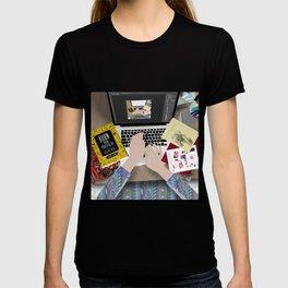 my messy desk T-shirt