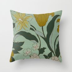 vintage floral knit Throw Pillow