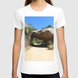 Tunnel Rock Generals Hwy in California T-shirt