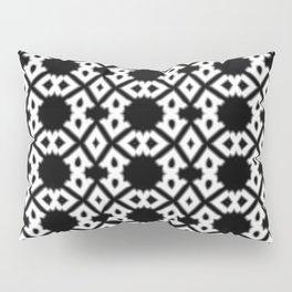 Repeating Circles Black and White Pillow Sham