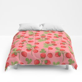 Juicy strawberries on a pink background Comforters