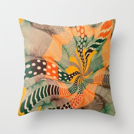 hypnotic color wave Throw Pillow