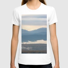 Snow covered italian Apennine Mountains T-shirt