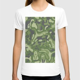 the PURRFECT camo with CATS T-shirt