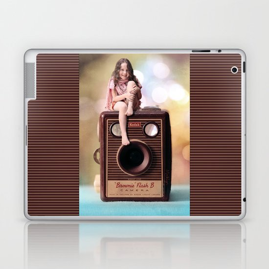 Smile for the Camera - vintage Kodak Brownie camera with miniature girl. Laptop & iPad Skin