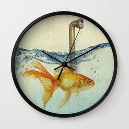 periscope goldfish Wall Clock