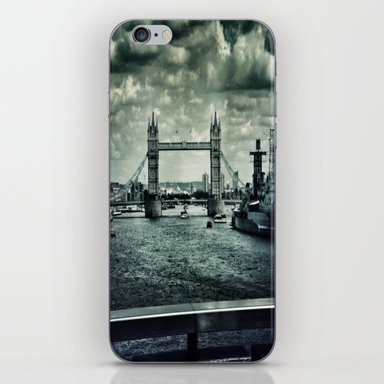 London Bridge iPhone & iPod Skin