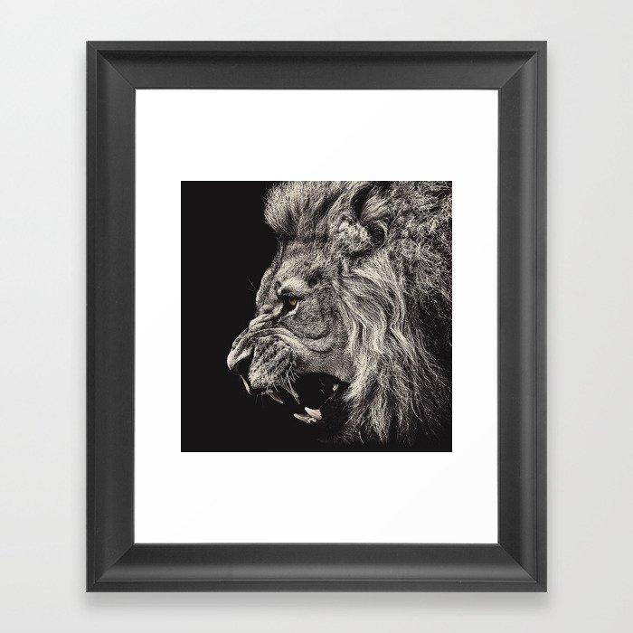 Angry Male Lion Gerahmter Kunstdruck