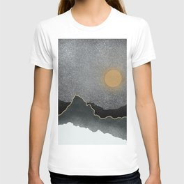 Black Mountains Gold Moon T-shirt