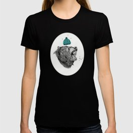 bear and cigaret  T-shirt