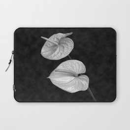 Zwei Blumen im Raum Laptop Sleeve