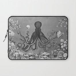 Octopus's Garden Laptop Sleeve