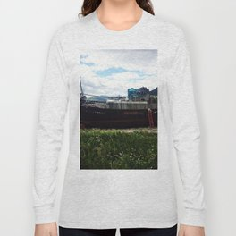 Shipwreck on the beach Long Sleeve T-shirt