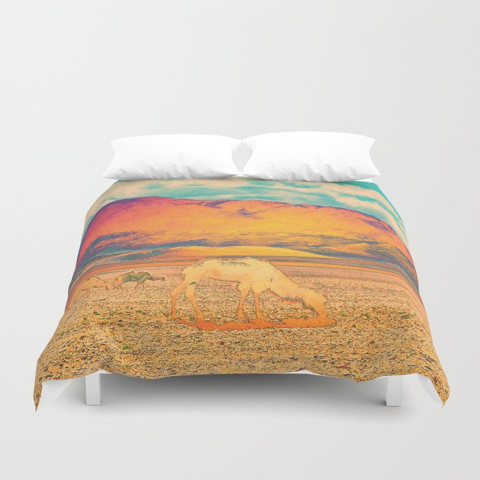 Dull To Pause. Duvet Cover