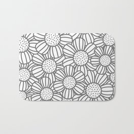 Field of daisies - gray Bath Mat