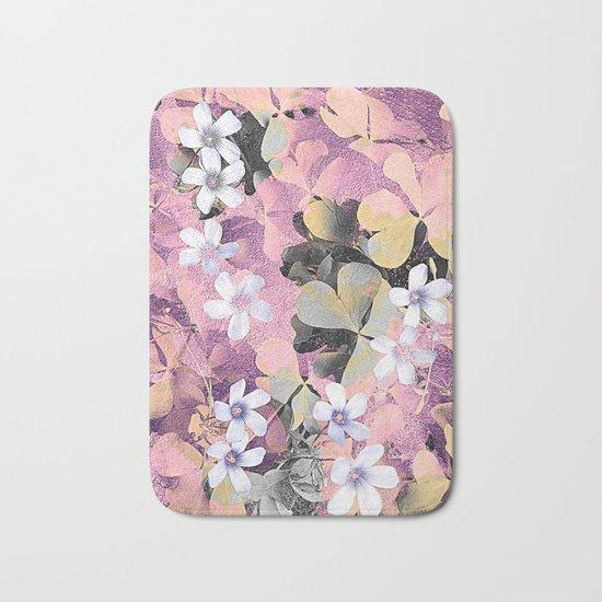 Lucky clover pink Bath Mat