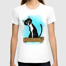 Onyx the tuxedo cat T-shirt