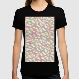 Abstract animal print like pattern with texture in decorative pasel colors T-shirt