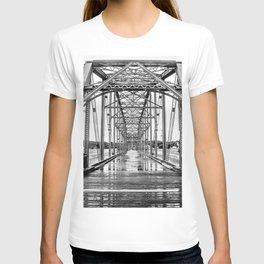 Walnut St. Bridge No. 22 T-shirt
