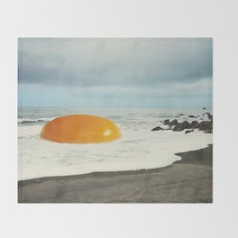 Beach Egg - Sunny side up Throw Blanket
