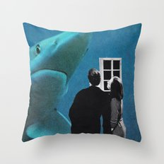 Lo prendiamo per casa? Throw Pillow