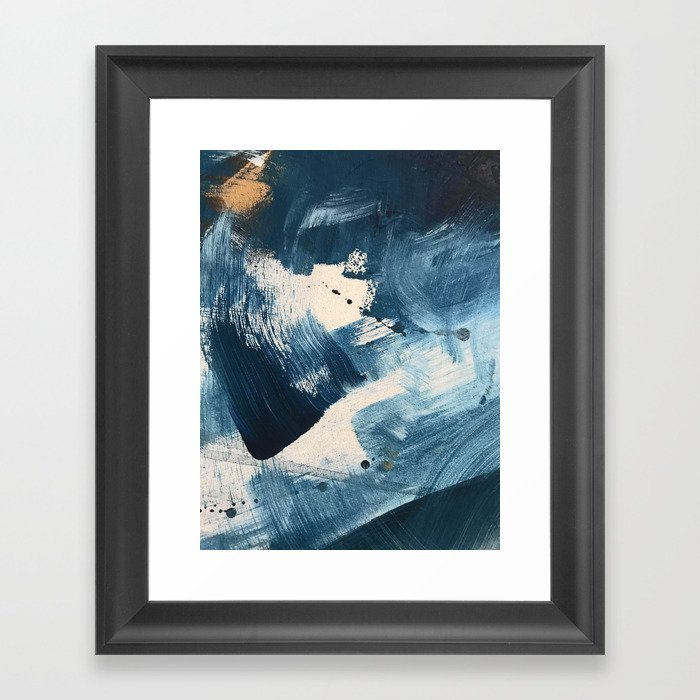 Against the Current: A bold, minimal abstract acrylic piece in blue, white and gold Gerahmter Kunstdruck