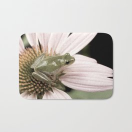 Treefrog on flower Bath Mat