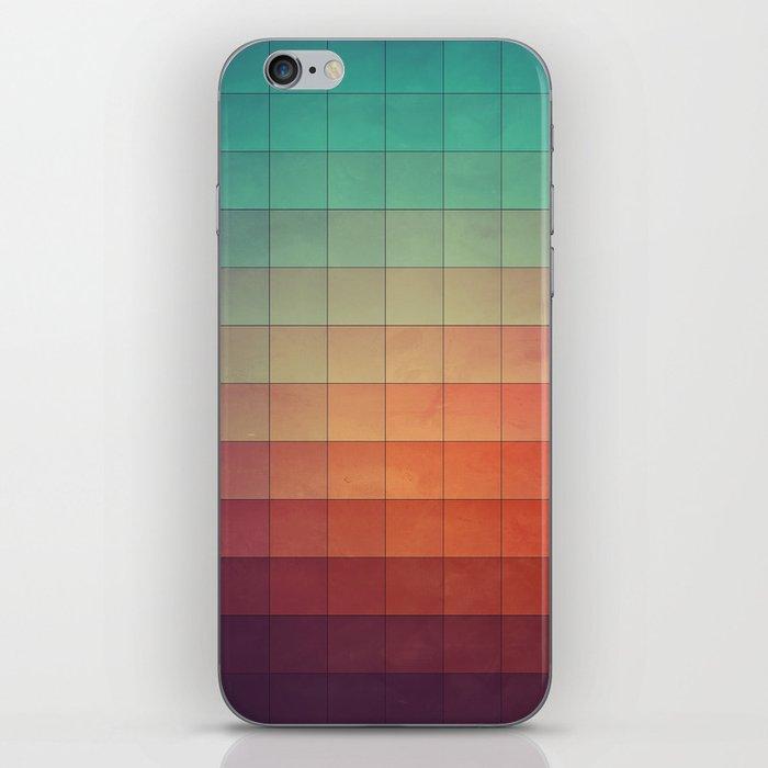 cyvyryng iPhone Skin