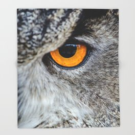 NIGHT OWL - EYE - CLOSE UP PHOTOGRAPHY - ANIMALS - NATURE Throw Blanket