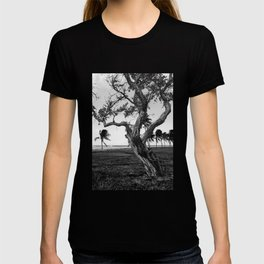 Tree in front of the sea T-shirt