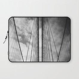 New York - Brooklyn Bridge, Black and White Laptop Sleeve
