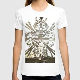 nuestro salvador T-shirt