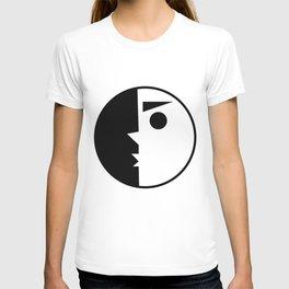 kissy face T-shirt