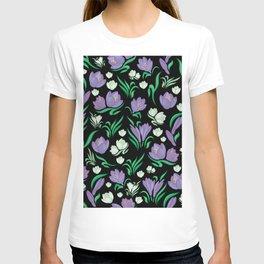 Crocus floral pattern T-shirt