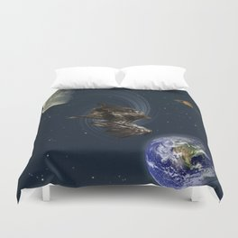 Freefalling Young Bald Eagle Duvet Cover