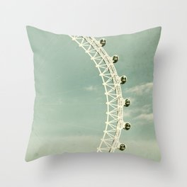 London-eye Throw Pillow